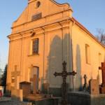 Kościół na wzgórzu cmentarnym pod wezwaniem Św. Wawrzyńca