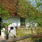 Wiosna w skansenie w Sierpcu - chałupa z Rempina