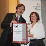 2.Wręczenie nagrody przez Aleksandra Kammela Dyrektora CIFFT