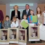"""Wystawa """"Boże Narodzenie na Mazowszu"""" 2012, skansen w Sierpcu - laureaci konkursu na najpiękniejsze szopki bożonarodzeniowe"""