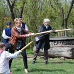 Gry i zabawy wielkanocne 2014, skansen w Sierpcu - zawody w strzelaniu wodą z sikawek dyngusowych