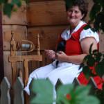 Odświętny strój kobiecy - Muzeum Wsi Mazowieckiej w Sierpcu