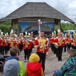 Majówka 2019, dzień drugi, skansen w Sierpcu - orkiestra dęta na polanie, koncert z choreografią