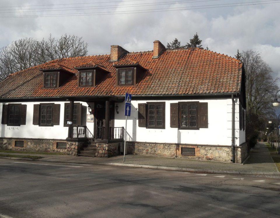 Zabytkowy budynek murowany - miejsce wystaw - muzeum w Bieżuniu