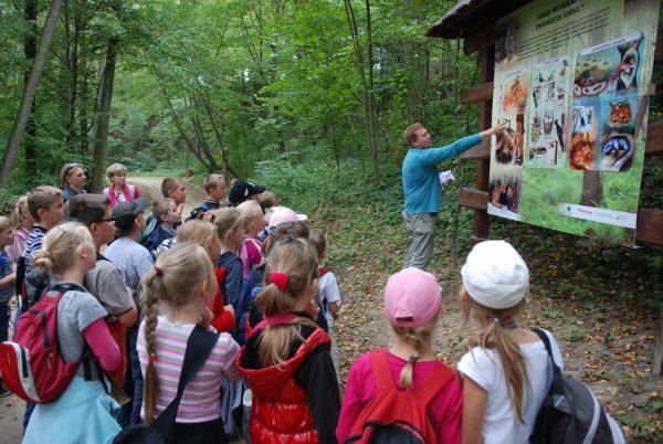 Skansen w Sierpcu - lekcja plenerowa w lesie