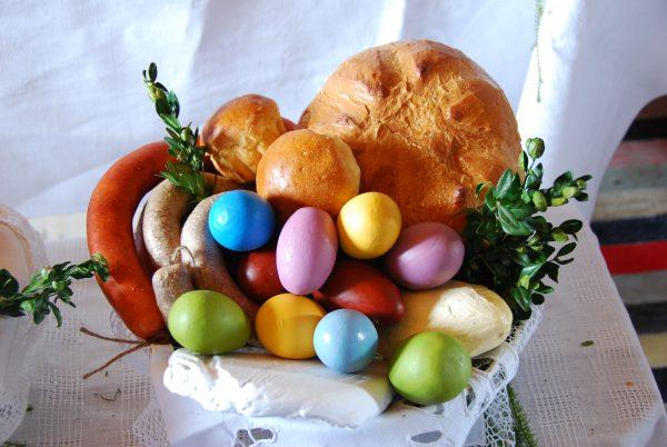 Święcone - jaja, chleb, kiełbasa - Skansen w Sierpcu