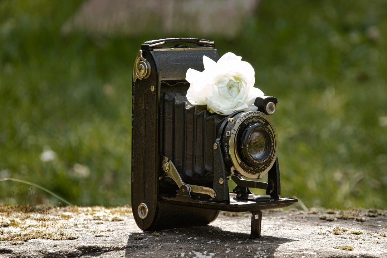 old-camera-5027605_1920