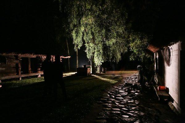 Widok wiejskiego podwórza nocą, MWM w Sierpcu